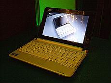Acer sfida Apple, Rim e Nokia e s'impegna anche nel sociale