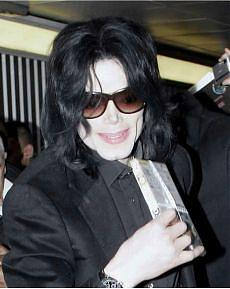 La nuova fobia di Michael Jackson Via dal castello:
